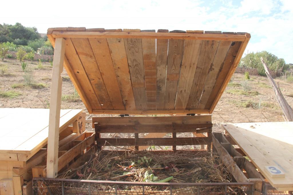 compost_box-1024x683